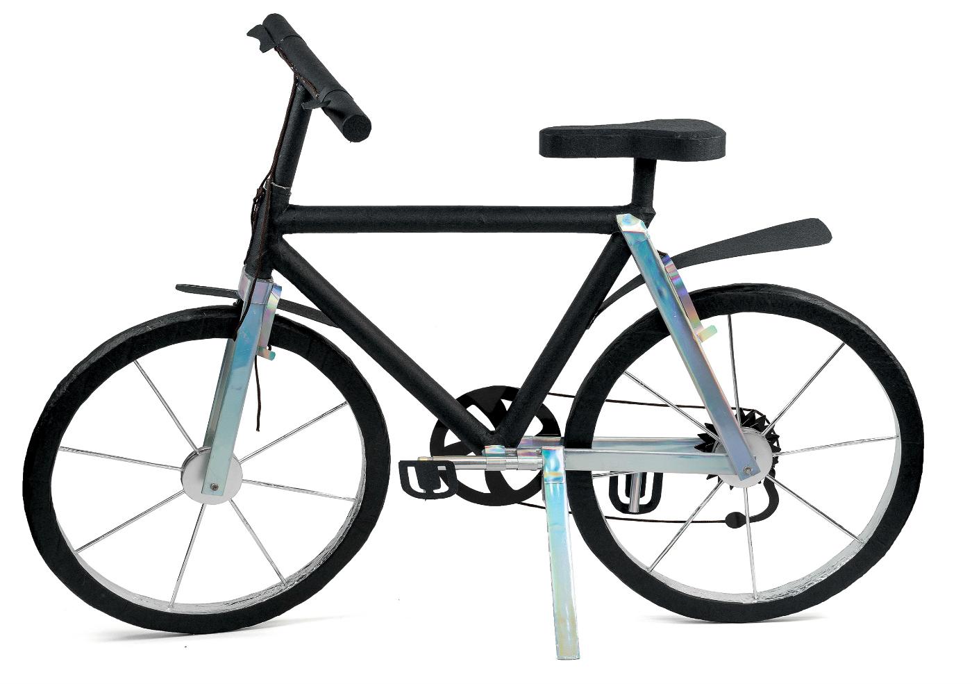 A joss paper bicycle (photo by Sara Codutti, courtesy Staatliche Kunstsammlungen Dresden)