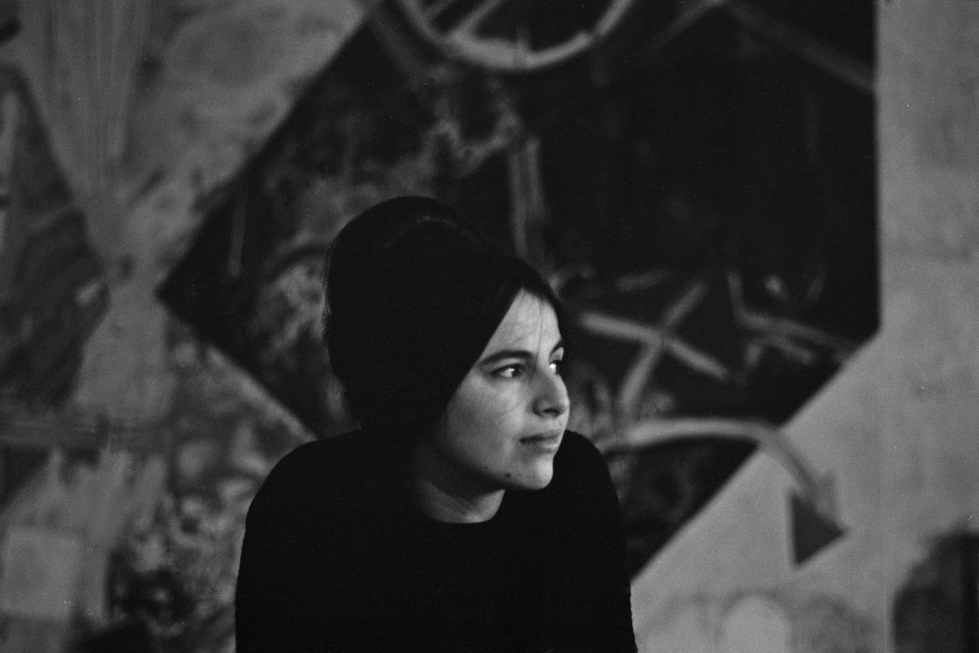 Eva Hesse around 1963 (photo by Barbara Brown)