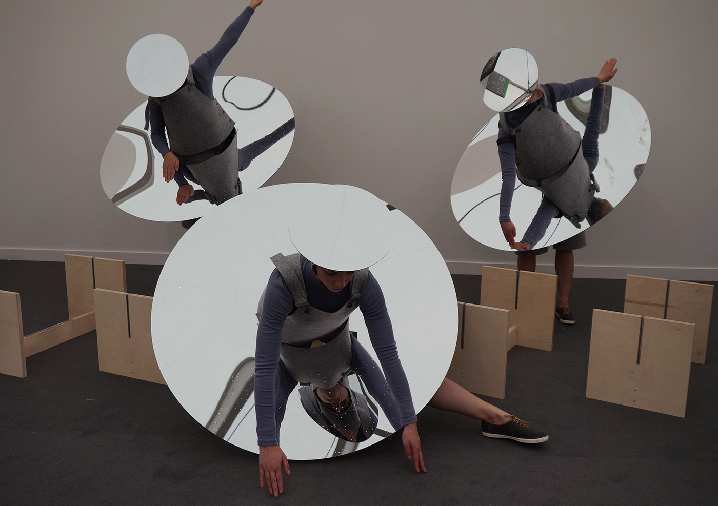 """Three performers Eduardo Navarro's """"Instruction from the sky"""" for Frieze Projects"""