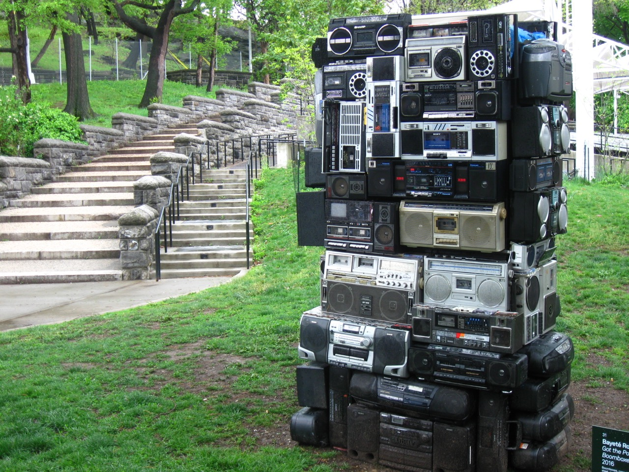 Bayeté Ross Smith Got the Power: Boomboxes: Harlem, 2016. All photos by the author for Hyperallergic