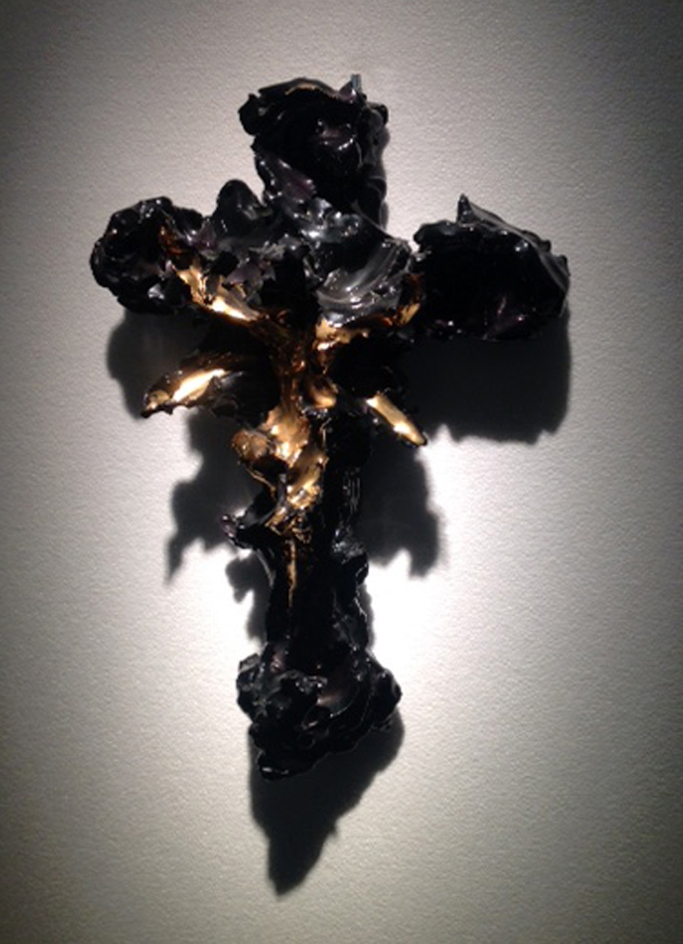 """Lucio Fontana """"Crucifix"""" (1955) (photo by the author for Hyperallergic)"""