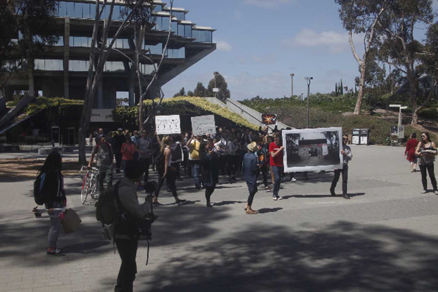 UAG protest on library walk, UCSD (photo by Fred Lonidier)