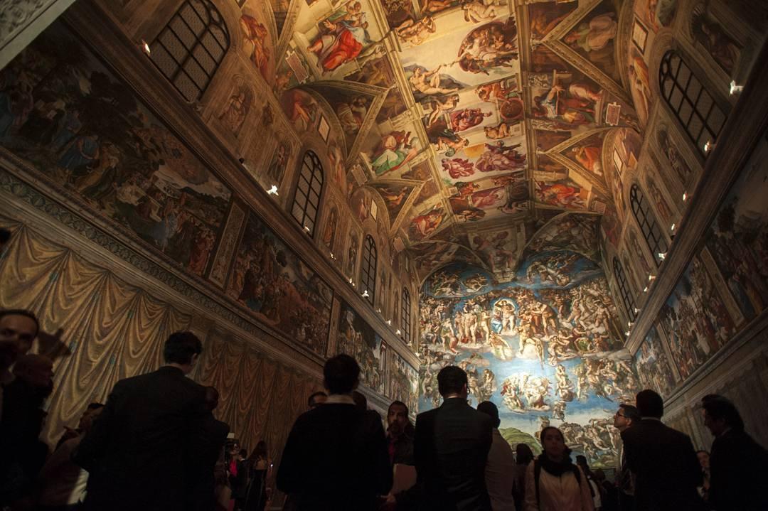 The interior of Mexico City's Sistine Chapel replica (photo via @gaviriasantos/Instagram)