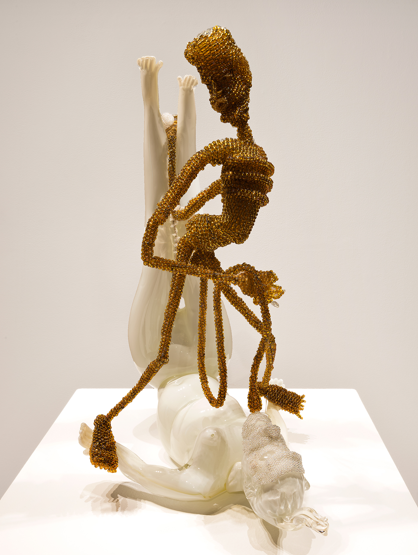 """Joyce J. Scott, """" Lewd #2"""" (2013), hand-blown Murano glass processes with beads, wire, and thread, 22 1/2 x 14 x 16 in (photo by Michael Koryta, courtesy Goya Contemporary)"""