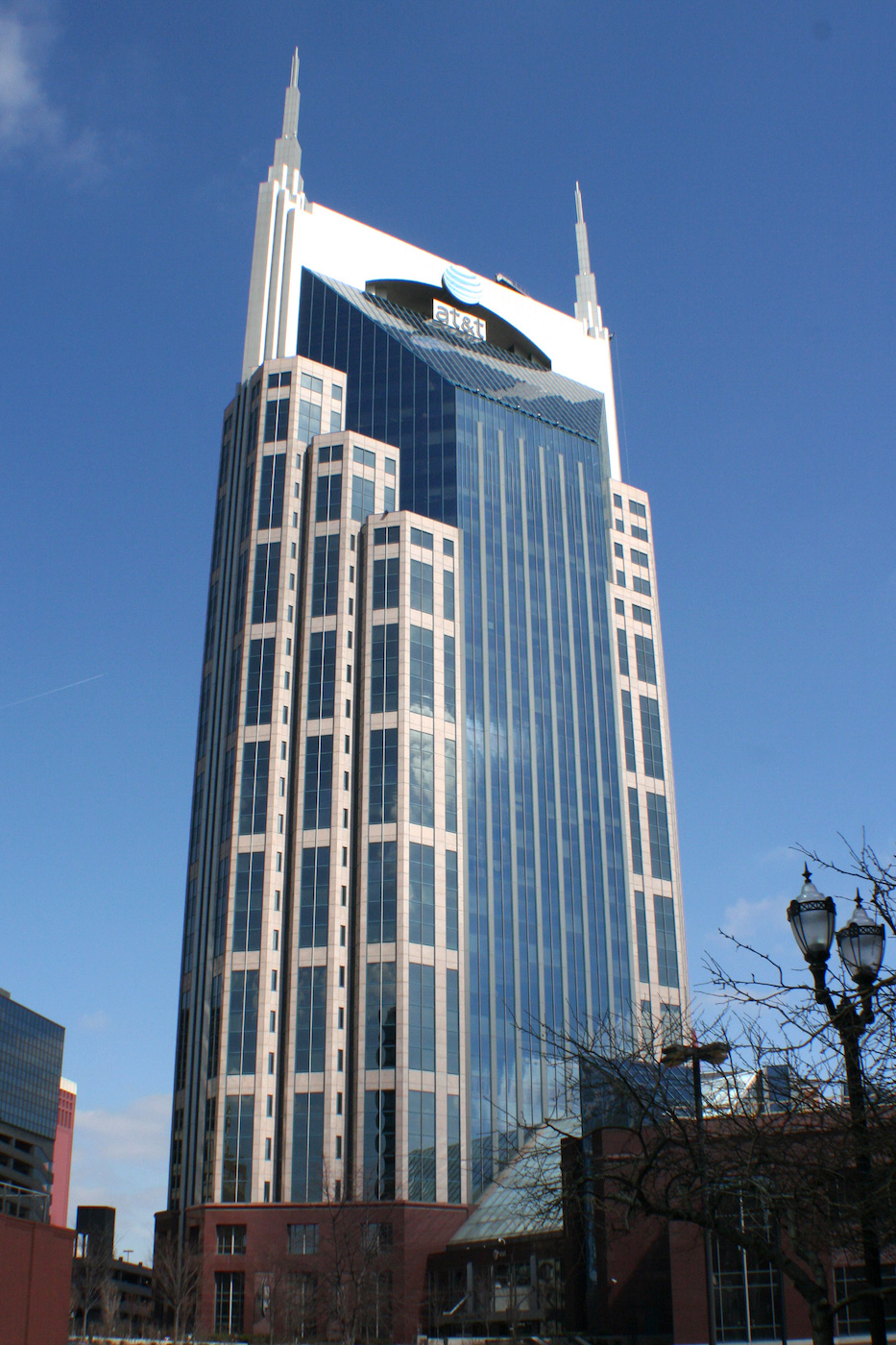 The AT&T Building in Nashville, Tennessee (photo by Kaldari/Wikimedia)