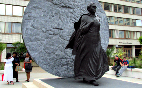 Post image for UK Unveils Its First Public Statue of a Historic Black Woman