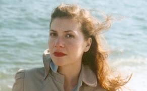 Post image for The Poetics of Embodiment: Elaine Kahn's 'Women in Public'