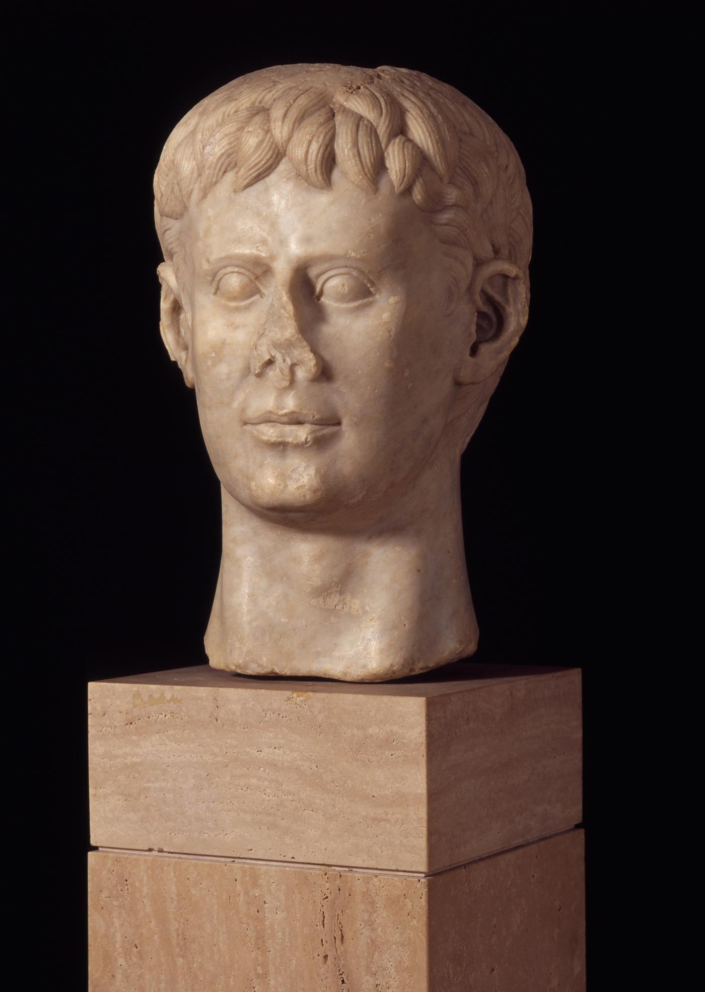 Marble bust of Frederick II, Italy (1220–50 CE) (Deutsches Archäologisches Institut, Rome; © H. Behrens, DAI Rom)