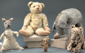 Post image for Original Winnie-the-Pooh Dolls, All Stuffed with Fluff, Go Back on View