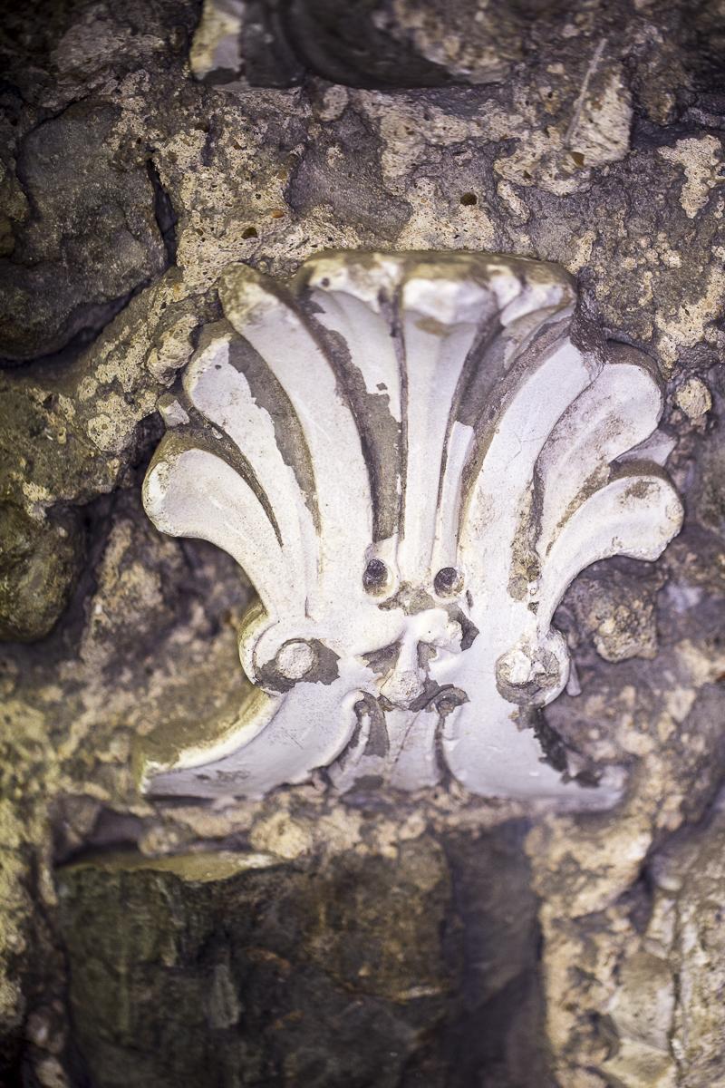 Popes Grotto, Fleur de Lys