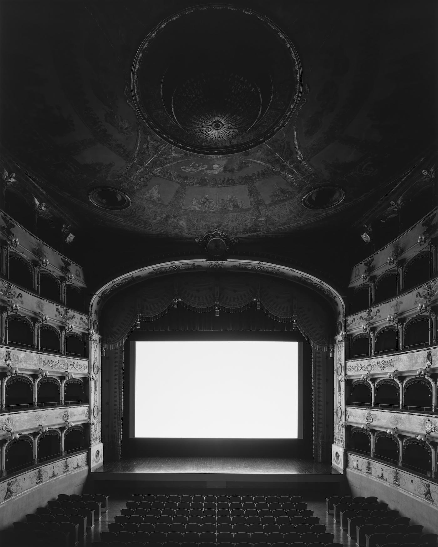 teatro-comunale-di-ferrara-ferrara-2015