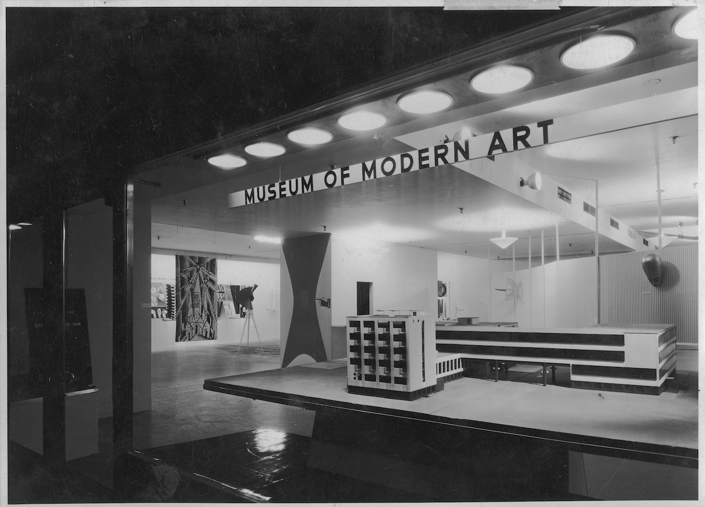 IN82 Bauhaus: 1919-1928, December 7, 1938 - January 30, 1939