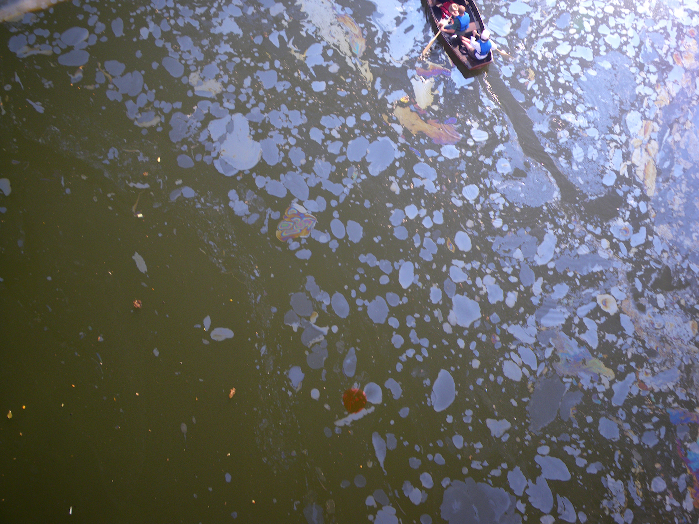 """Marie Lorenz, """"The Gowanus Canal Aerial View from The Tide and Current Taxi"""" (2005 – present), digital photograph (courtesy of the artist)"""