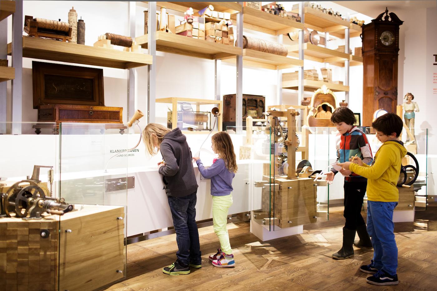 Visitors in the Museum Speelklok (courtesy Museum Speelklok, photo by Fred Ernst)