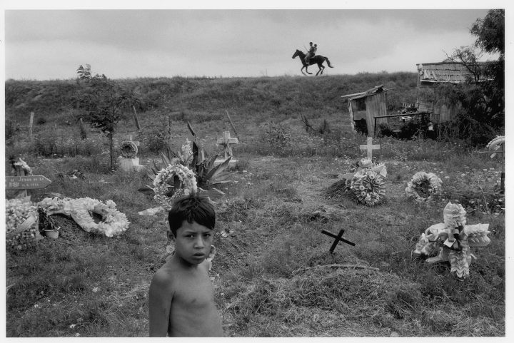 Alex Webb, Matamoros, Tamaulipas, 1978; from Alex Webb: La Calle (Aperture/Televisa Foundation, 2016)