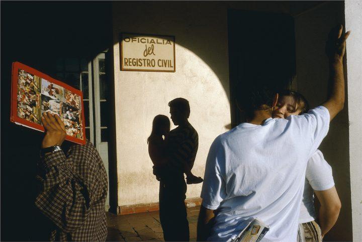 Alex Webb, Nuevo Laredo, Tamaulipas, 1996; from Alex Webb: La Calle (Aperture/Televisa Foundation, 2016)