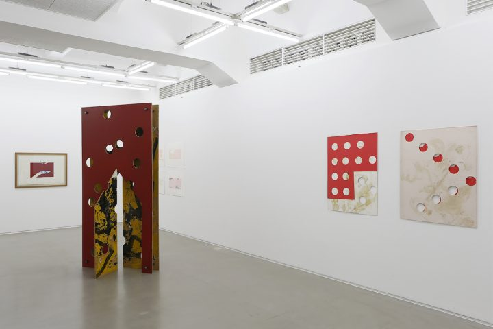 Installation view of Kim Yong-Ik: Closer ... Come Closer ... at the Ilmin Museum of Art (courtesy of Ilmin Museum of Art)
