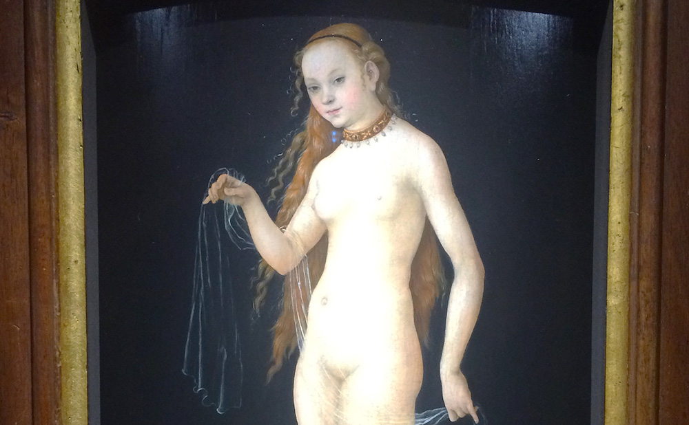 "Detail of ""Venus"" (1531), attributed to Lucas Cranach the Elder (photo by Benjamin Sutton for Hyperallergic)"