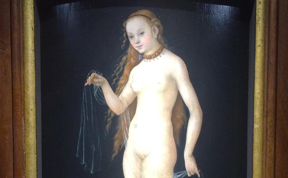 "Detail of ""Venus"" (1531), attributed to Lucas Cranach the Elder (photo by Benjamin Sutton for Hyperallergic)"