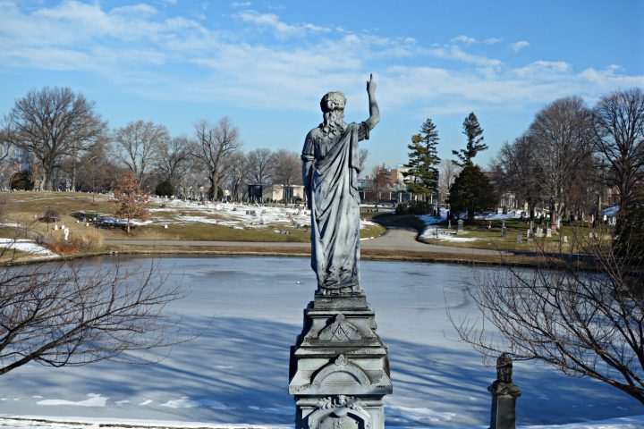 Green-Wood Cemetery, Brooklyn (photo by the author for Hyperallergic)