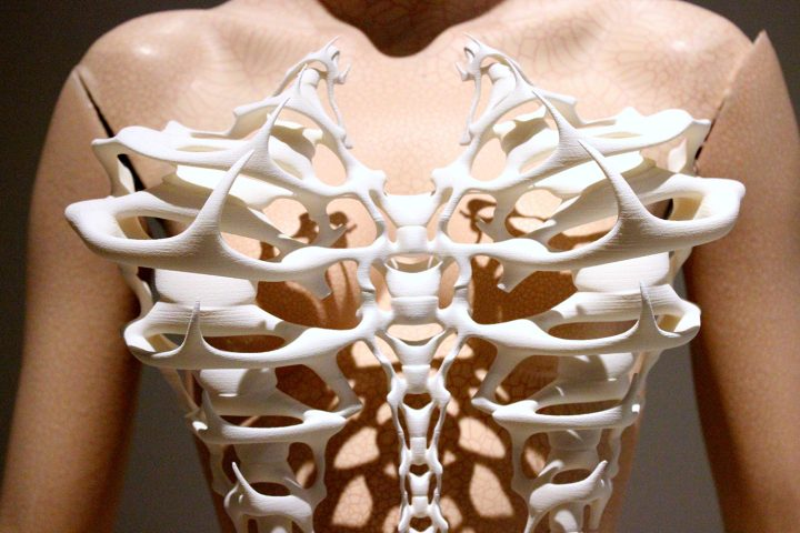 Iris van Herpen, Capriole, Ensemble, July 2011, In collaboration with IsaÏe Bloch and Materialise, 3D-printed polyamide, detail view. All photos by the author for Hyperallergic.