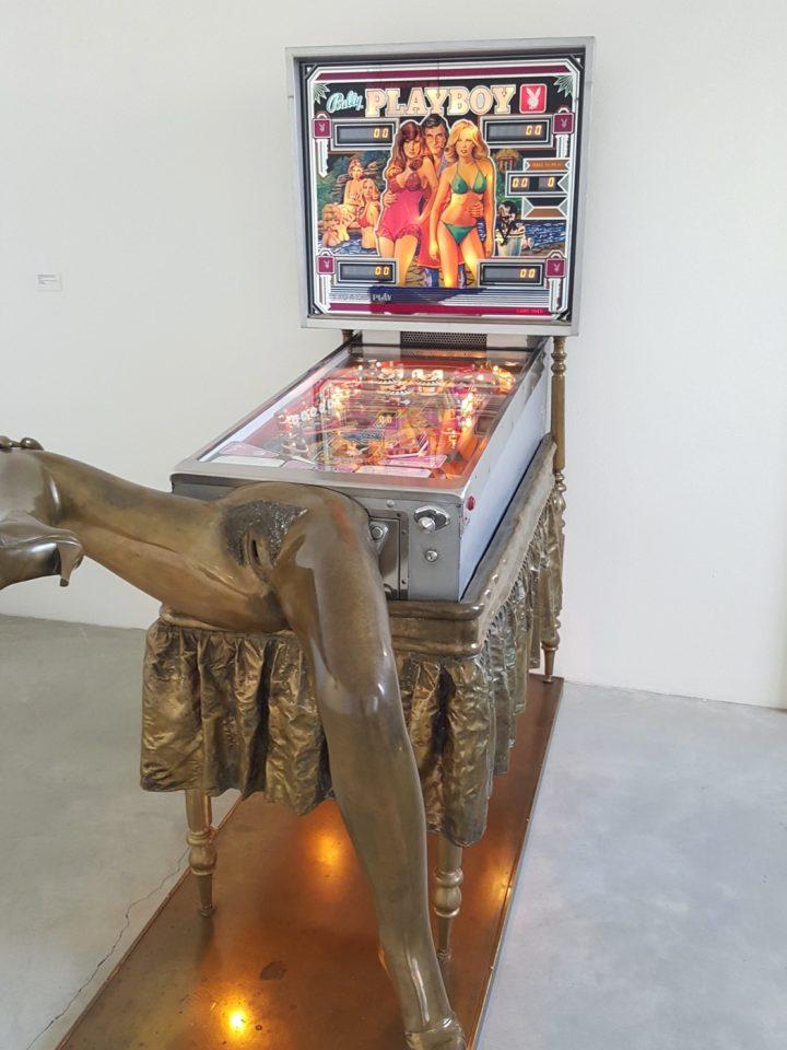 kienholz-pinball-machine