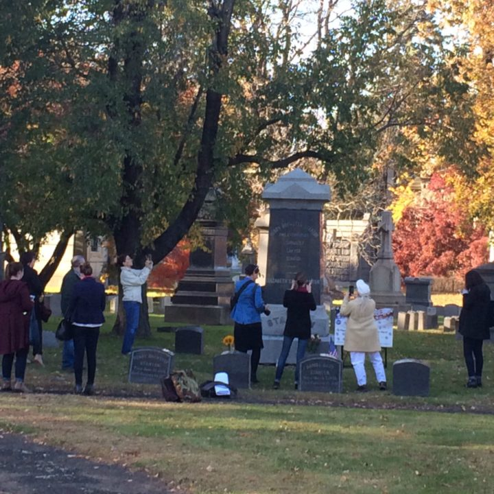 Crowd gathered at the grave of Elizabeth Cady Stanton in Woodlawn Cemetery, The Bronx (photo by Anastasija Ocheretina)