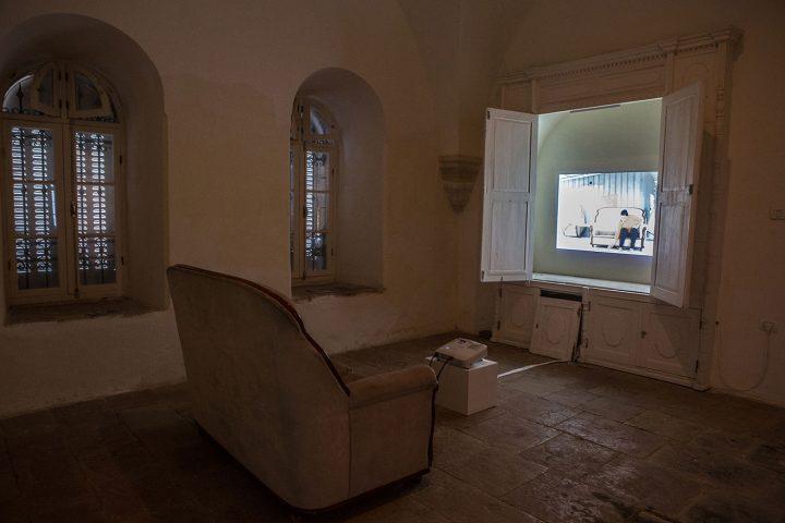 "Inas Halabi, installation view, ""Mnemosyne"" (2016), Dar al Sa', Ramallah (© Edmée van Rijn)"