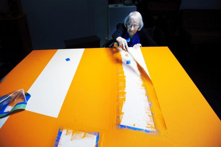 Artist Carmen Herrera, subject of Alison Klayman's documentary short <em>The 100 Years Show</em> (courtesy of Ratpac Documentary Films)