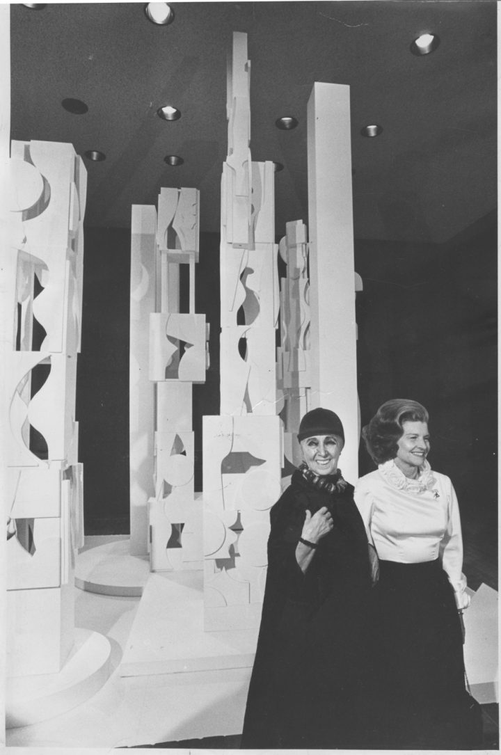 A New Louise Nevelson Biography Picks Apart The Artist S
