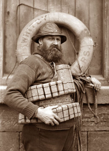 b39e4af5969 Fisherman from Whitby (courtesy the Sutcliffe Gallery)