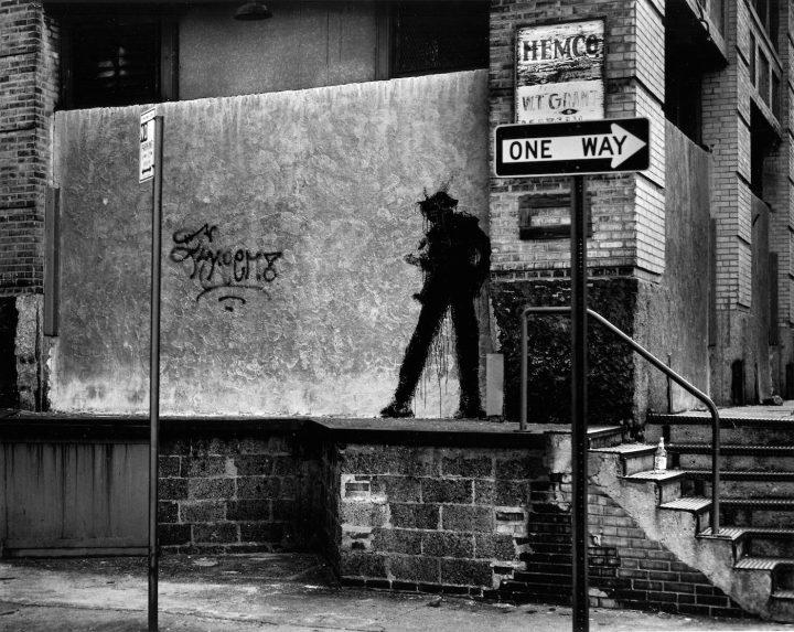 "Richard Hambleton ""Standing Man"" (photo by Hank O'Neal, all photos courtesy Storyville Films)"