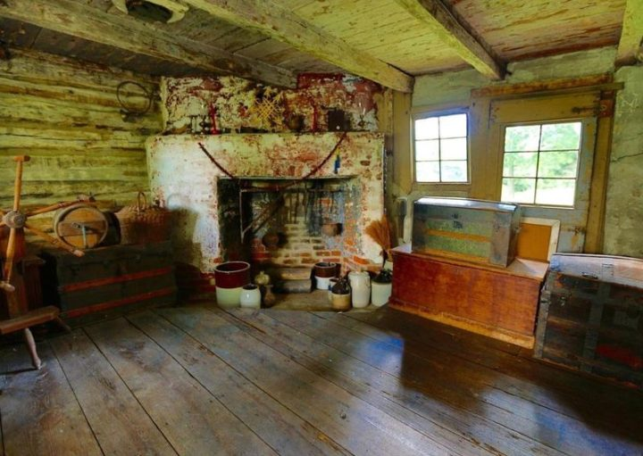 The Nothnagle Cabin in Gibbstown, New Jersey (courtesy Christina Huang, Weichert Realtors-East Brunswick)