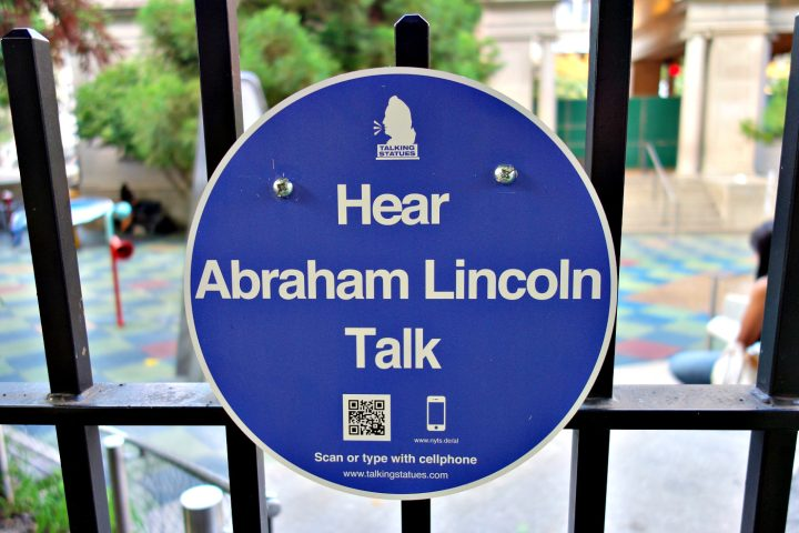 Talking Statues plaque at Union Square's statue of Abraham Lincoln (photo by the author for Hyperallergic)