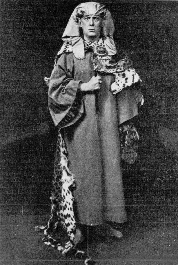 Aleister Crowley in Golden Dawn garb (1910) (via Wikimedia)