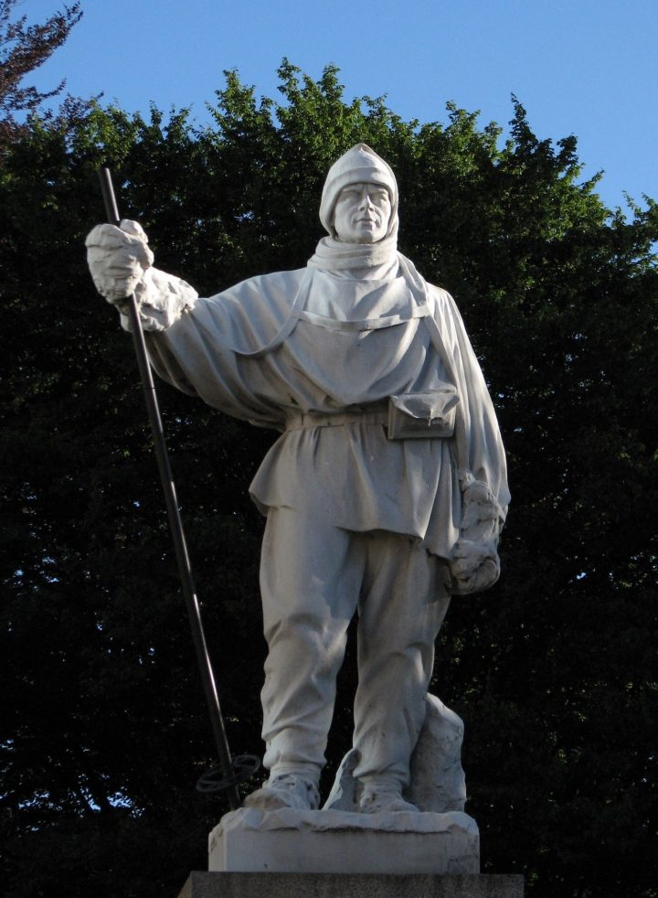 Statue by Kathleen Scott of her first husband Robert Falcon Scott, before it was damaged in the Christchurch, New Zealand, earthquakes