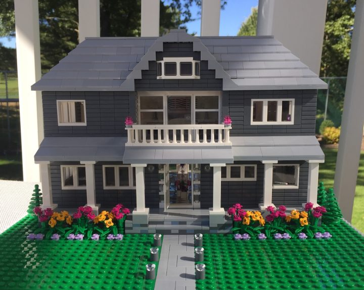 This Artist Will Build You a Lego Model of Your House