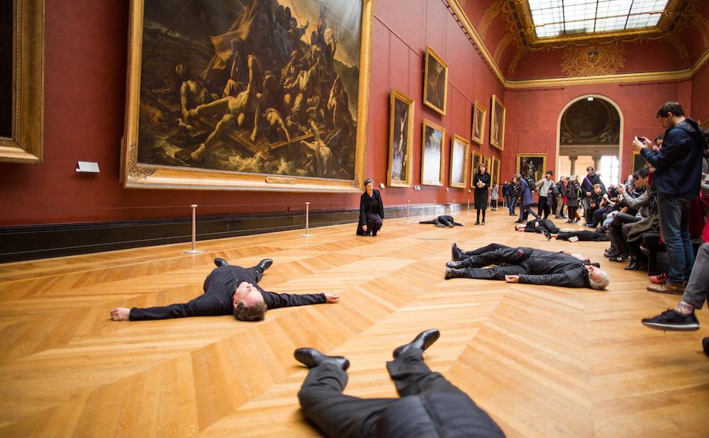 Libérons le Louvre's performance on Monday (photo by Libérons le Louvre)