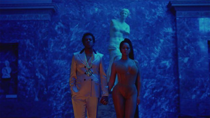 Beyoncé and Jay-Z in front of the Venus de Milo