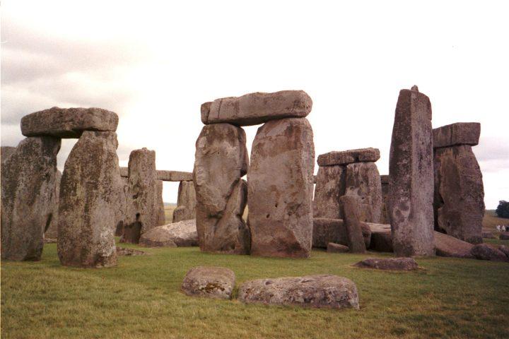 Stonehenge in October 1982 (photo by Jeff Hart, via Flickr)