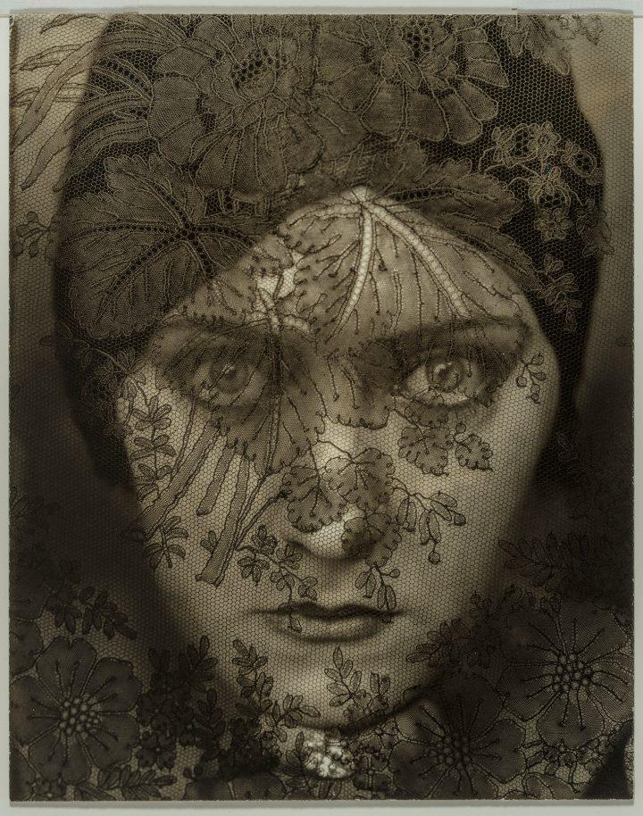 """Edward Steichen, """"Gloria Swanson"""" (1924) (image courtesy the Museum of Fine Arts, Boston)"""
