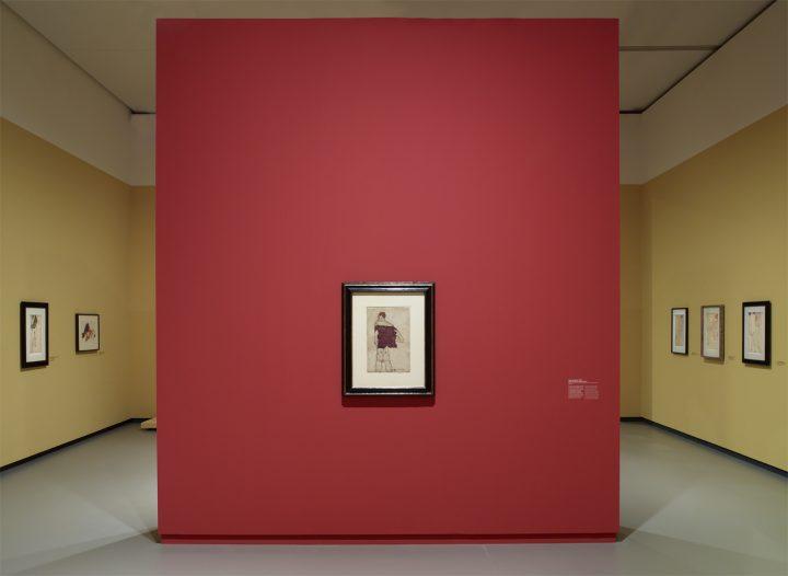 Egon Schiele's Quivering Line Tells All Artes & contextos Installation view of the Egon Schiele exhibition gallery 1 level 1 Fondation Louis Vuitton Paris