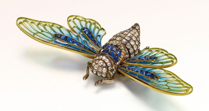 Boucheron, pin art nouveau (1902), enamel, sapphires, and diamonds (image courtesy Christie's)