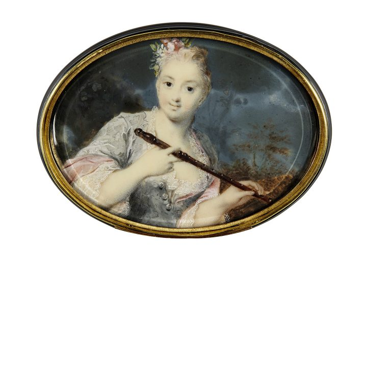 """Rosalba Carriera, """"Portrait of a Lady Holding a Flute"""" (c. 1715), watercolor and bodycolor on ivory, set inside the lid of a gold mounted tortoiseshell box, the lid and base decorated in two color gold piqué, 53 x 75 mm. (image courtesy Sotheby's)"""