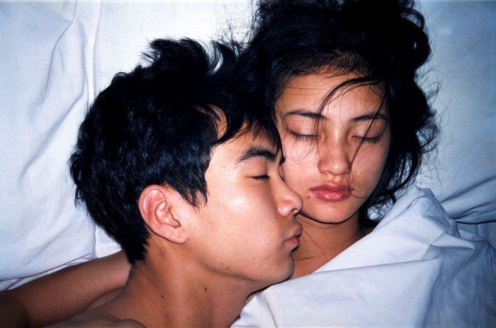 "Zheng Guogu, ""Honeymoon No. 7"" (1996), C-print, 23 5/8 x 39 3/8 inches (image courtesy Eli Klein Gallery)"