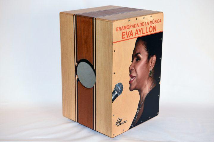 Eva Ayllon Cajon