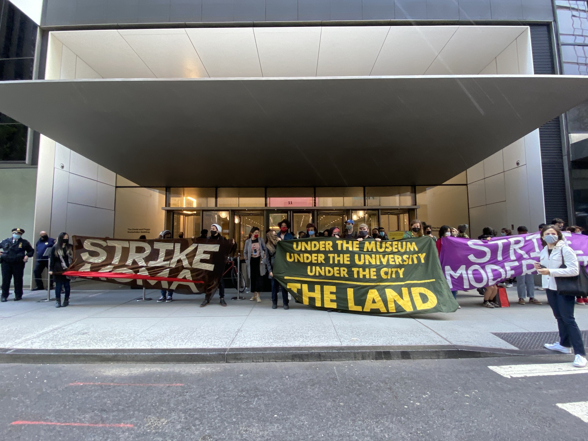 """""""Strike MoMA"""" Tour Ends With Confrontation Between Museum Security and Protesters"""